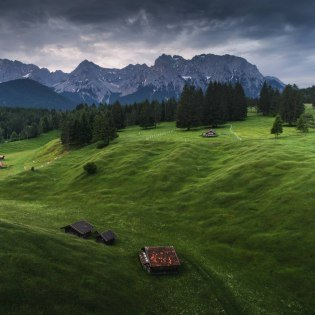 Protected natural humpback meadows in the Alpenwelt Karwendel, © Alpenwelt Karwendel | Maximilian Ziegler