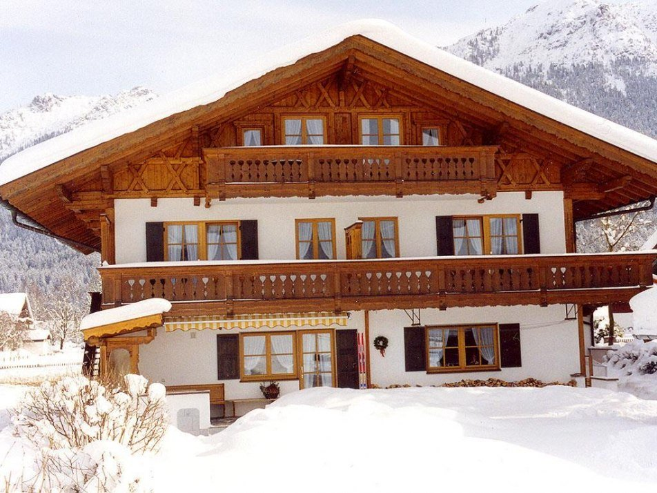 Haus Alpenrose: Wintertraum in Krün