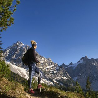 Mountain running in Bavaria's mountains - here under the Karwendel near the Hochlandhütte cabin Mittenwald, © Alpenwelt Karwendel | Regina Fichtl