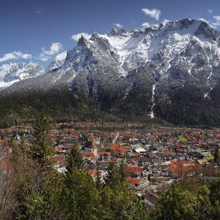Mittenwald in the Bavarian Alps - Spring in the mountains, © Alpenwelt Karwendel | Rudolf Pohmann