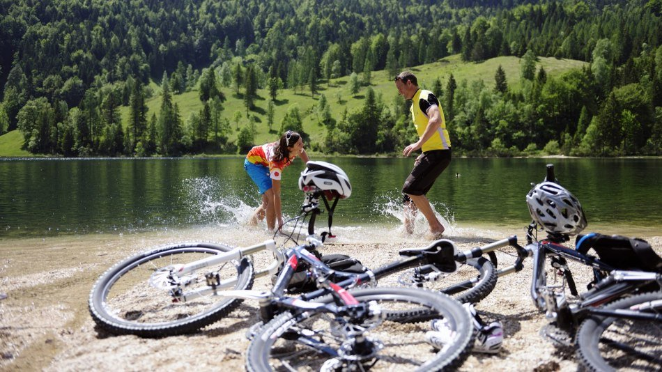 By bike to Lake Ferchen near Mittenwald, © Alpenwelt Karwendel | Wolfgang Ehn
