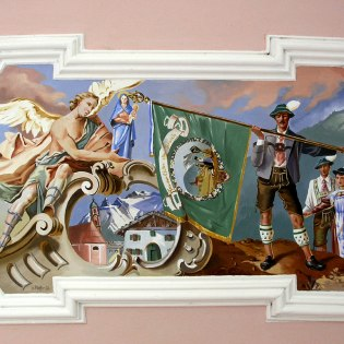 This representation at the chapel on Lautersee combines costume and religion, © Alpenwelt Karwendel   Marinus Zwerger