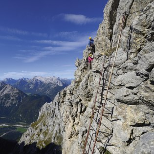 Airy experiences on the via ferrata at the Karwendel, © Alpenwelt Karwendel | Wolfgang Ehn
