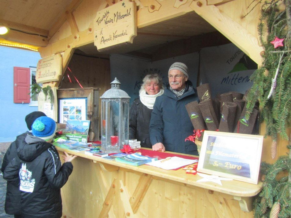 Ingrid Sailer am Christkindlmarkt  (1)